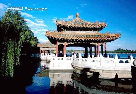分类导航 生活百科 旅游户外 > 北京十大中秋赏月胜地:北海公园