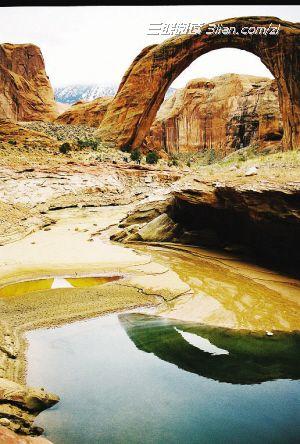 """两水夹明镜,双桥落彩虹"""",因袭唐诗而得名的宋代古桥彩虹桥,是婺图片"""