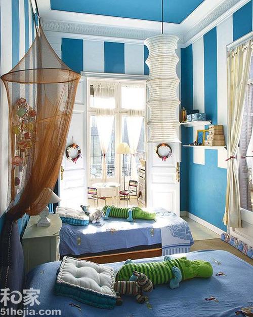 儿童房最好用暖色调,像粉红色,紫色,浅绿色,浅蓝色.