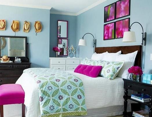 人的性格迥异,因此装扮出的房间自然也就因人的性格而变得多种多样。温馨的、粉嫩的、都市的、梦幻的、简约的、沉稳的……10款超高人气的女生卧室装扮,究竟哪一个才是你的style呢?   米白色和宁静蓝的搭配,舒适又清新,欧式风格的