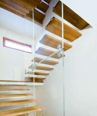 现代欧式风格小复式楼梯的装修