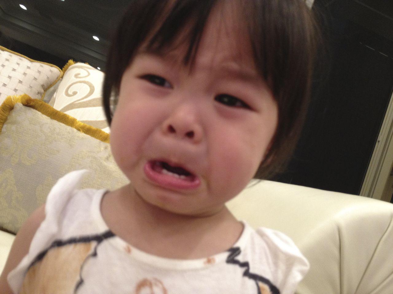 会喜欢小女孩哭脸的一定就是她的爸爸