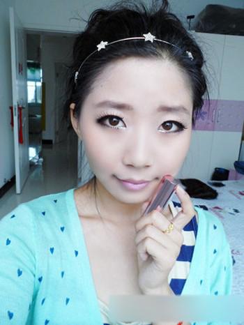 生活百科 摄影摄像 摄影化妆教程 > 小清新猫眼妆的画法    萌妆步骤