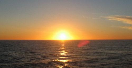海边夕阳水画教程